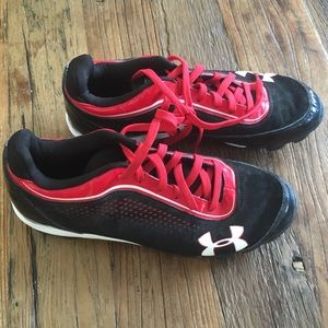 Under Armor size 8.5 baseball cleats